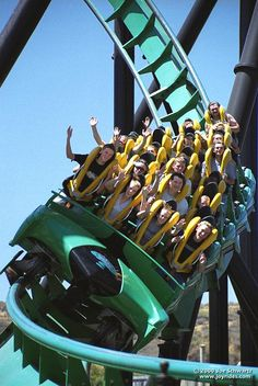 Riddler's Revenge - Six Flags Magic Mountain (Valencia, California, USA). Been there, done that, standing up! Roller Coaster Theme, Best Roller Coasters, Thailand Travel, Croatia Travel, Bangkok Thailand, Hawaii Travel, Italy Travel, Valencia California, California Usa