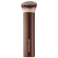 Shop Hourglass' Vanish Foundation Brush at Sephora. Its unique shape allows you to reach all of the contours of the face for a flawless finish.