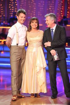 Tristan McManus & Valarie Harper (here with host Tom Bergeron) danced their last dance on week 4 with the Vienese Walts...at least till the season finale  -  Dancing With The Stars season 17  -  fall 2013