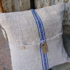 Cushion made from an old grain sack. Just made one like that!