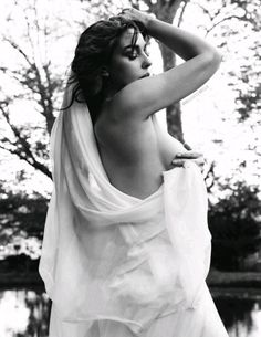Monica Bellucci by Gianluca Fontana for Vanity Fair [Italia], May 2017 Monica Bellucci Photo, Monica Belluci, She's A Lady, Italian Actress, Nude Photography, Hollywood Celebrities, Women Life, Timeless Beauty, Sexy Hot Girls