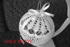 Crochet Christmas Ornaments, Christmas Crochet Patterns, Crochet Doily Patterns, Crochet Doilies, Knitting Patterns, Crochet Ball, Thread Crochet, Crochet Hooks, Merry Christmas And Happy New Year