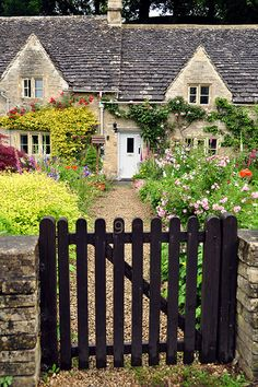 Bibury by VT_Professor, via Flickr