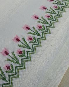 Fotoğraf açıklaması yok. Cross Stitch Borders, Cross Stitch Flowers, Jumper Patterns, Bargello, Garter Stitch, Beautiful Crochet, Soft Colors, Diy Cards, Embroidery Patterns
