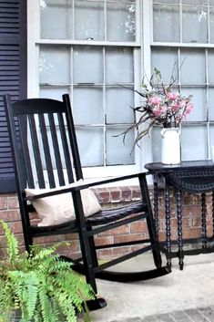 Check out these thrift store rocking chair makeovers on a budget. Give your front patio a quick update with new outdoor painted furniture pieces. Painted Rocking Chairs, Painted Outdoor Furniture, Steam Bending Wood, Ikea Toy Storage, Ikea Toys, Iron Bench, Wooden Sofa, Hotel Decor, Reclaimed Barn Wood