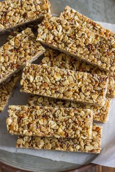 Healthy Chewy Apple Cinnamon Granola Bars - same texture as store-bought bars, but without any weird ingredients or preservatives. Perfect on-the-go snack!
