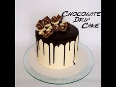 New Cake Chocolate Drip Strawberries 35 Ideas Choc Drip Cake, Chocolate Drip Cake Birthday, Bolo Drip Cake, Caramel Drip Cake, Drip Cakes, Chocolate Ganache, Dessert Cake Recipes, Best Cake Recipes, Cakes To Make