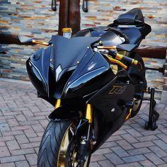 BLK & GOLD #Yamaha #r6
