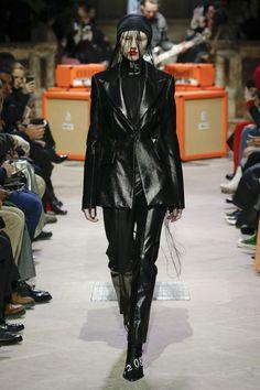 Yang Li Fall 2018 Ready-to-Wear Collection #fashion #runway