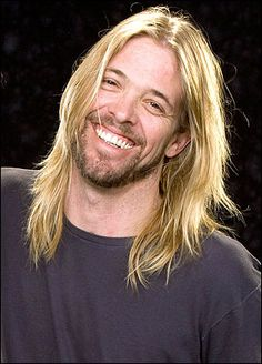 Taylor Hawkins. amazing musician, singer and nice guy. Amazing guy!