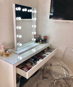 makeup mirror Alicia Hollywood Style Mirror with Lights 80 x Makeup Storage Mirror, Makeup Vanity Mirror, Vanity Room, Vanity Mirrors, Ikea Vanity, Ikea Makeup Storage, Ikea Mirror, Ikea Dressing Table, Dressing Table Design