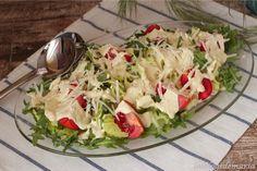 http://cocinayrecetas.hola.com/comerconpoco/20130513/ensalada-con-salsa-a-la-mostaza-con-sesamo/