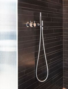 This simple 070 chrome hand shower by VOLA fits perfectly into the modern bathroom.   #VOLA #Chromebathroom #chrome #chromebathrooms #bathroomdesign #bathroom #bathrooms #bathroominspo #decor #inspiration Bathroom Inspo, Modern Bathroom, Bathroom Fixtures, Bathrooms, Scandinavian Design, Door Handles, Chrome, Shower, Simple