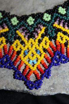 Gargantilla con cuentas de Huichol U.U por HuicholArte en Etsy