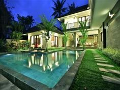 OopsnewsHotels - Umadauh Villa - Padang Tawang Canggu. Umadauh Villa - Padang Tawang Canggu offers a comfortable setting while in Canggu. Umadauh Villa - Padang Tawang Canggu provides comfortable rooms, furnished to fit the needs of any guest. Ngurah Rai International Airport is a 45-minute drive from the hotel. Seminyak and Kerobokan are also a short car ride away.