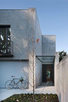 Courtyard House / Robson Rak architects