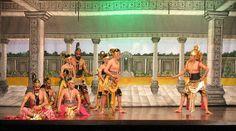 Wayang Wong (Wayang Orang) Javanese dance performance in Wayang Orang Bharata Theatre, Senen, Jakarta. Depicting the character Pandawa Lima with their guard in left, and Sri Kresna in the right.