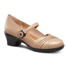 a9da24cbd577 Amazon.com  Dr Comfort Shoes Cindee Womens Therapeutic Diabetic Extra Depth  Classic Heel Dress