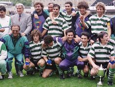 Manuel Fernandes, Bobby Robson, Cadete, Marinmho, Balakov,Juca, Jose Mourinho, Ioardnov - celebrating a trophy sporting_3056961k.jpg (701×536)