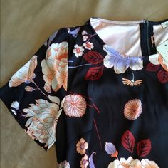 Daniel Rainn short sleeve black floral dress. Daniel Rainn short sleeve black floral dress. Daniel Rainn Dresses