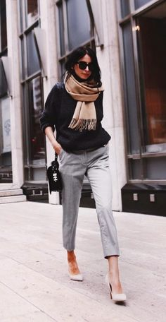 Light grey pants and dark grey sweater with neutral heels business outfit 99 Latest Office & Work Outfits Ideas for Women Casual Work Outfits, Winter Outfits For Work, Business Casual Outfits, Business Attire, Work Attire, Work Casual, Women's Casual, Spring Outfits, Boho Work Outfit