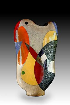 Five contemporary American ceramic artists that use abstract concepts in their decorative styles that I feel are a skilful and intuitive representation of this deep and fascinating medium. Ceramic Decor, Ceramic Design, Ceramic Plates, Modern Ceramics, Contemporary Ceramics, Pottery Plates, Ceramic Pottery, Design Art, Scores