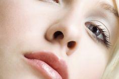 A Model's Secrets: Women's Facial Shaving - DEFUZZING THE MYTH OF THE FEMALE MUSTACHE!