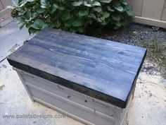 Coffee Table From Pallets and Crates