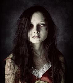 horror photography | 10 Awesome Horror Inspired Photo Manipulations scary-horror-photo ...