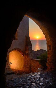 © Makis Bitos Monemvasia,Greece Plus Beautiful Sunset, Beautiful World, Beautiful Places, Monemvasia Greece, Vila Medieval, Myconos, Greek Islands, Greece Travel, Belle Photo