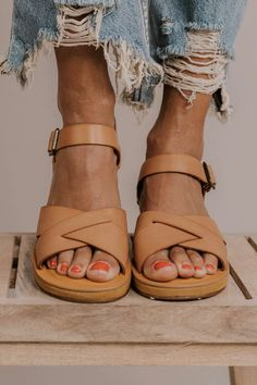 Spring Sandal Ideas - Modest Women's Clothing | ROOLEE