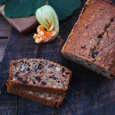 """Nothing says """"autumn"""" like a loaf of yummy zucchini bread from the @sneakymommies! This is packed full of healthy stuff but is so delicious your kids won't notice! Click on link in bio for the recipe. . #recipesofIG #zucchiniloaf #zucchinibread #instayum #sneakymommies #kidfriendlysnacks #healthysnacks #momlife #eatsomethinggood #canadianmoms #healthysnack"""
