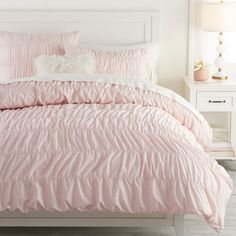 Dress up your bed with this fancy duvet cover and pillow sham. With narrow black and white stripes and ruffles along the edges, this pure cotton duvet cover is as stylish as it is soft. Imagined exclusively for Pottery Barn Teen by celebrity stylis… Girls Duvet Covers, Organic Duvet Covers, Bed Duvet Covers, Cute Duvet Covers, Duvet Sets, Teen Girl Bedding, Dorm Bedding, Teen Girl Bedrooms, Quartos