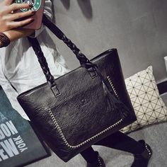 PU Leather Handbag Bolsas Mujer Vintage Designer Tassel Shoulder Bags Large Women Bag Shopping Tote Bags sac a main L1077