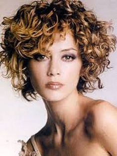 1572 Best Curly Hair For Round Face Images Curly Hair Styles Long