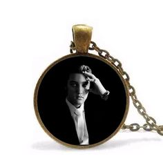 Classical Elvis Presley Pendant Necklace New Fashion Round Glass Necklace Elvis Presley Necklaces Pendants For Women Vintage