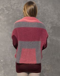 Catalogue Femme Concept 2 Automne / Hiver | 46: Femme Poncho | Gris pierre / Mauve foncé / Rosé foncé