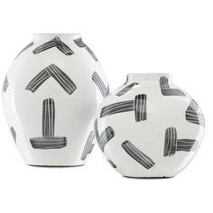 Black Vase, White Vases, Terracotta Floor, Black Felt, Vases Decor, Cool Lighting, Decorative Items, Modern Contemporary, Punch