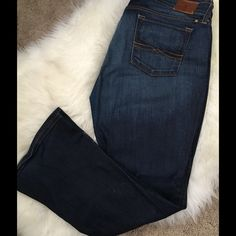 Lucky Brand Jeans Bootcut size 14/32 The nice, soft, stretchy Sweet and LowmLucky Jeans are a great fitting Jean and true to size. They are a super great dark wash. Size 14/32 Lucky Brand Jeans Boot Cut