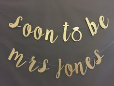 Soon To Be Mrs Banner Bridal Shower Banner by UrEnvitedToo on Etsy Funny Bridal Shower Gifts, Tea Party Bridal Shower, Bridal Shower Games, Bridal Shower Invitations, Party Party, Winter Bridal Showers, Chic Bridal Showers, Bridal Shower Rustic, Bachelorette Banner