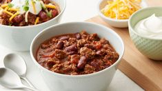 This bean-rich, ground beef chili will not only be delicious today, but it might even taste better tomorrow. Adjust the red pepper sauce to your own preference, and be sure to serve this easy chili recipe with plenty of optional toppings, including chopped black olives, fresh limes, guacamole, shredded cheese, salsa, shredded lettuce and sour cream. Chili Recipes, Crockpot Recipes, Cooking Recipes, Cooking Games, Pork Recipes, Casserole Recipes, Cooking Tips, Ground Beef Chili, Ground Beef Recipes