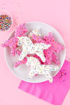 » Unicorn Frosted Animal Cookies