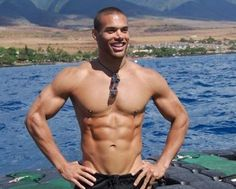 Raw Vegan model and actor Marcus Patrick made it a point to show the world that you can be Raw Vegan and have a fantastic physique