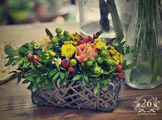 fotogalerie – Květinový Ateliér 26 Table Decorations, Plants, Furniture, Home Decor, Decoration Home, Room Decor, Home Furnishings, Plant, Home Interior Design