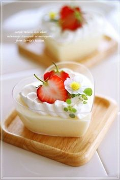 White chocolate mousse. I love the <3 shaped bowls.