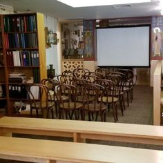 A multi-functional space perfect for social gatherings, lectures and meetings alike! Book this space for your next event! #nyceventspace #privateeventspace #eventspacerental #nyceventplanners #EventPlanning #EventPlanningny #nyclocationscout #nycvenues #locationscout #locationscouting #spaceinmotion #events #design #eventspace #photooftheday #eventdesign #decor #scout #locations #manhattan #nyc #newyork Lounge Furniture, Furniture Sets, Event Space Rental, Outside Catering, Rustic Cafe, Location Scout, Church Interior, Manhattan Nyc, House Speaker