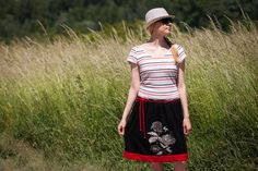 Circle Black / Red Skirt with White Flower Woman by RUKAMIshop