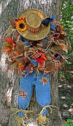 Fall deco mesh scarecrow wreath
