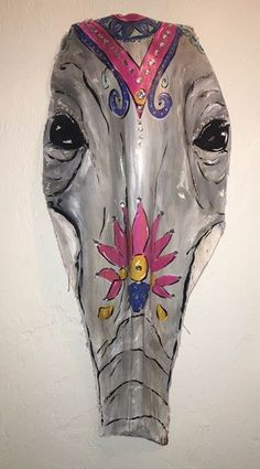 For nicole Palm Tree Crafts, Palm Tree Art, Palm Trees, Palm Frond Art, Palm Fronds, Painted Elephants, Animal Outline, Tiki Mask, Palmiers