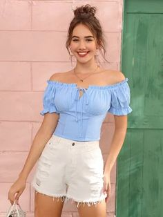 Crop Top Outfits, Casual Outfits, Cute Outfits, Fashion Outfits, Blue Top Outfit, Fancy Tops, Bardot Top, Stylish Girl Pic, Denim Top